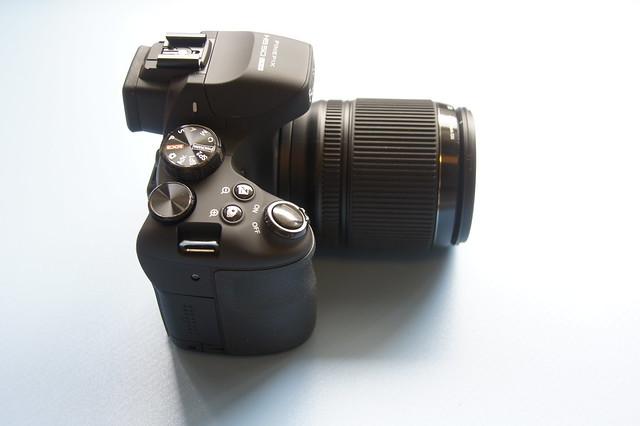 FinePix HS50EXR 外観