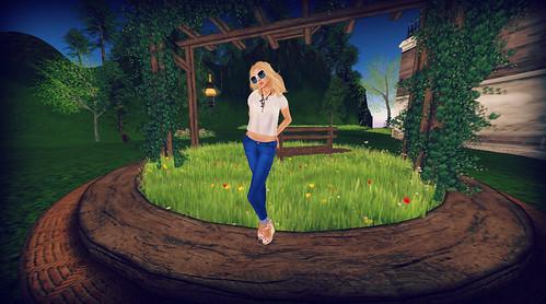 The Sun Has Got His Hat On by Lexia Barzane (www.lexiabarzane.com)