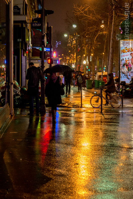 Boulevard Montmarte by night