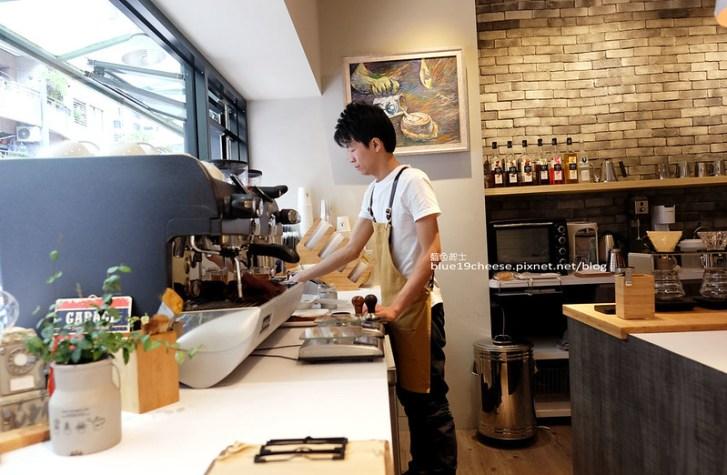 28472215593 f1e1cb867a c - J.W. Cafe-放棄百萬年薪工程師的漂亮拉花拿鐵.甜點推薦乳酪蛋糕和貝果.近清真恩德元餃子館
