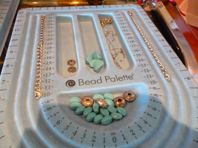 Jewellery making on Legend of the Seas