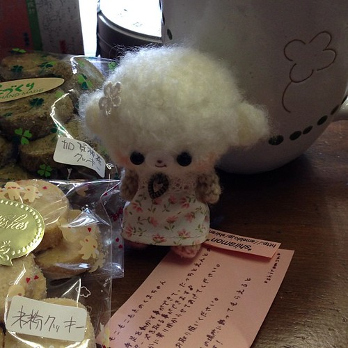 ゴマとペッタンさんの御自宅でのイベントで見つけた可愛いマスコット(*^^*)お茶のお供にクッキーと。