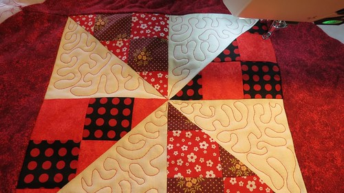 Raspberry Ripple quilt by Samantha Halliwell
