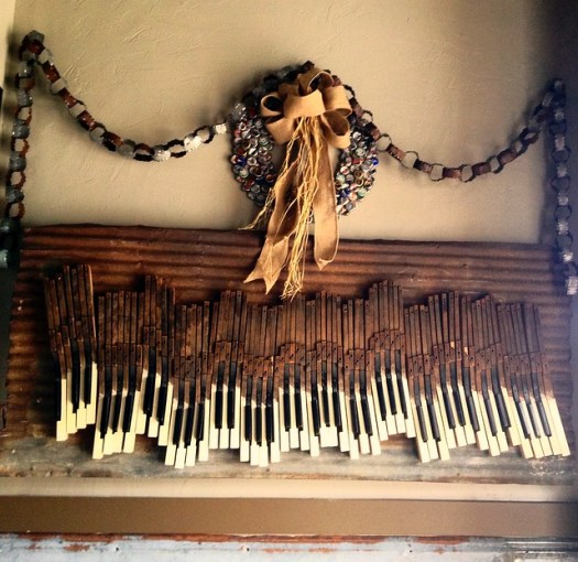 Bottlecap Wreath, Piano Keys