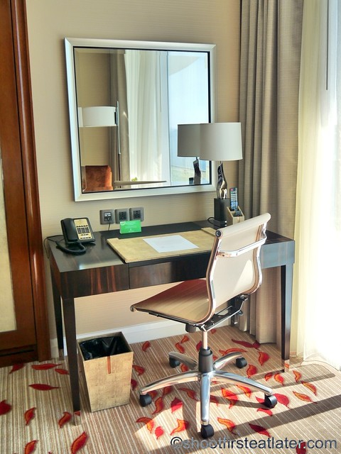 Solaire Resort and Casino- standard room-002