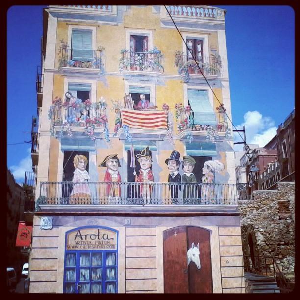 Al lado de las gradas del antiguo circo romano de Tarragona #tbmcatsur