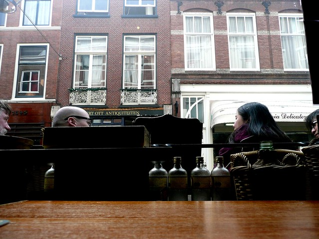 Conversation at a cafe, Noordeinde, The Hague.