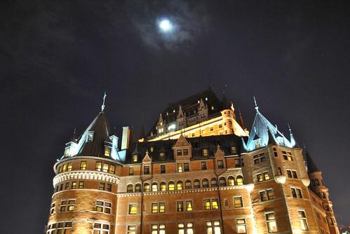 chateau de frontenac at night