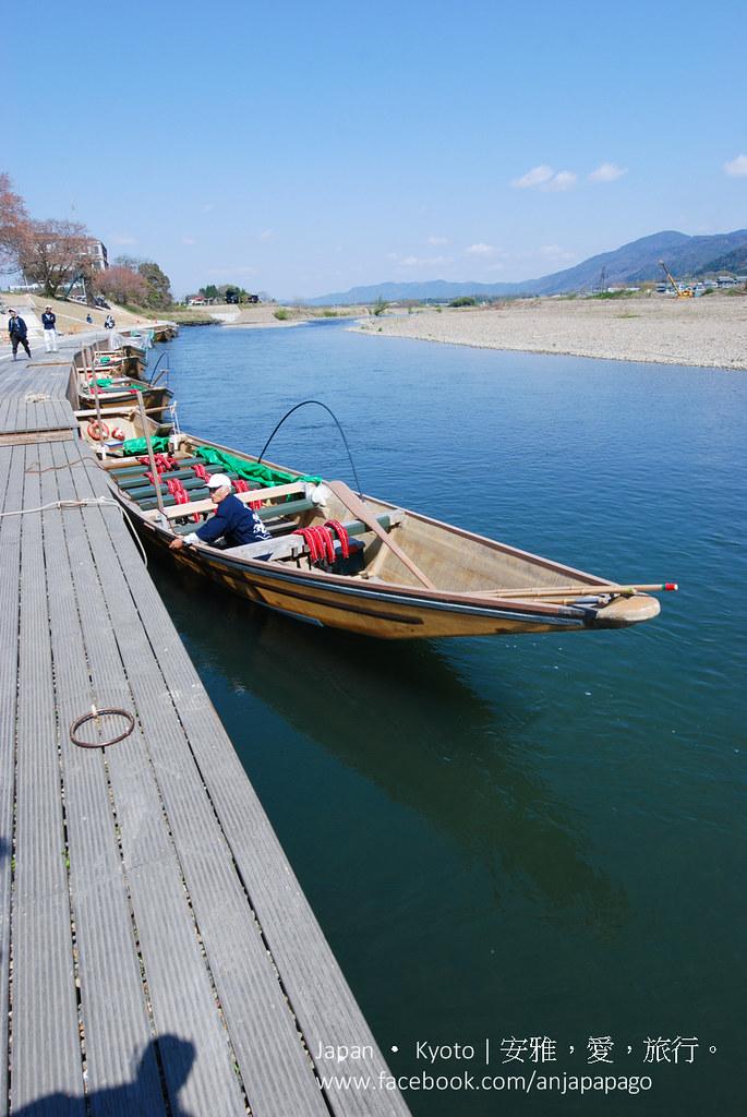 《京都游船体验》岚山保津川下り:保津川泛舟顺江流搭乘信息与交通方式。