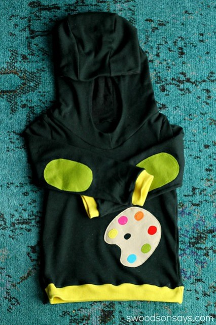 Bimaa Hoodie with Palette Applique