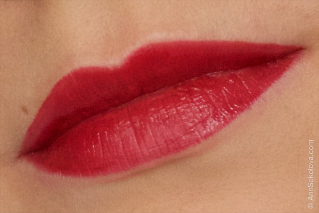 11 Avon   Ultra Colour Indulgence Lipstick   Red Dahlia swatches