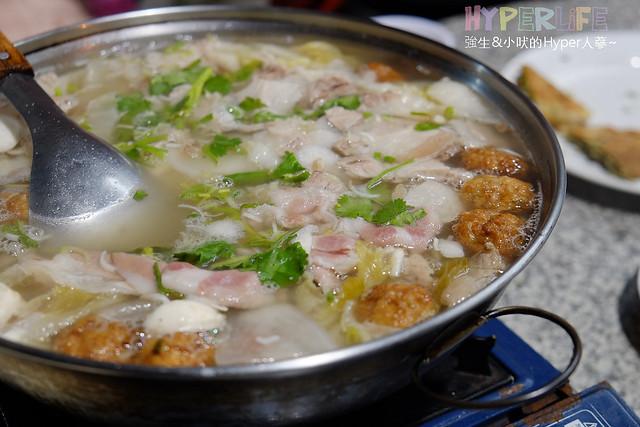 士官長酸萊白肉鍋 (2)