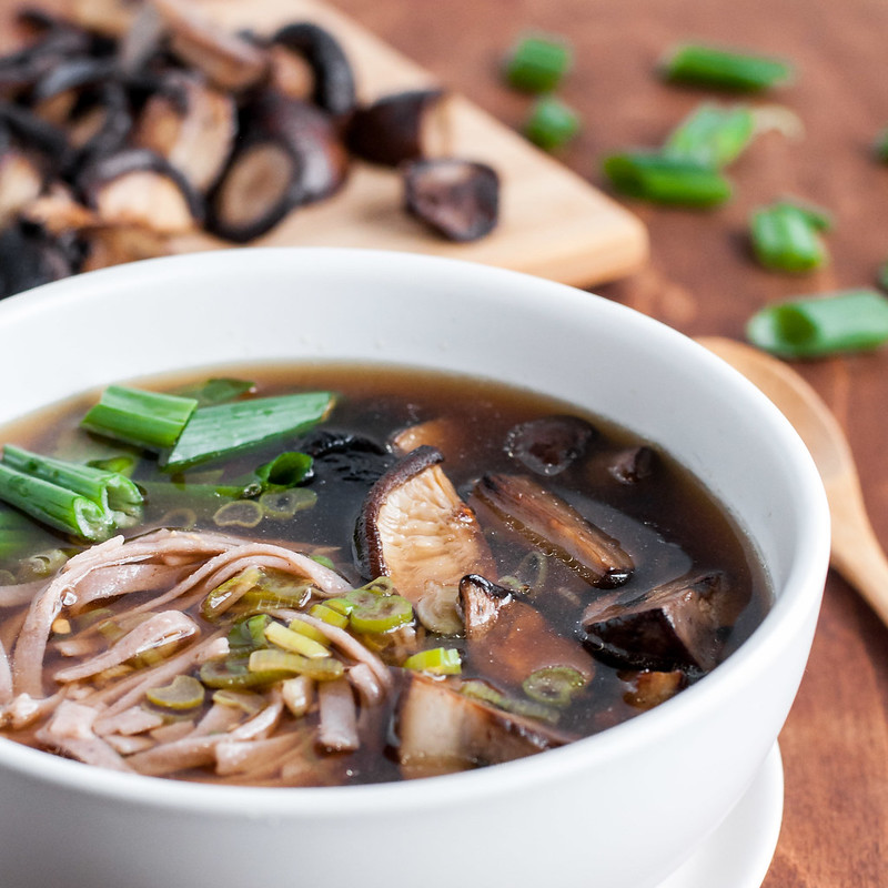 Easy, vegan roasted mushroom noodle soup bowl