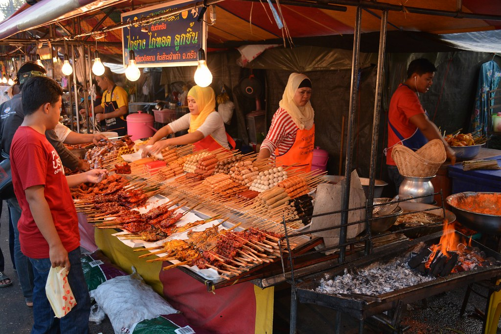 Krabi night market, what to do in krabi