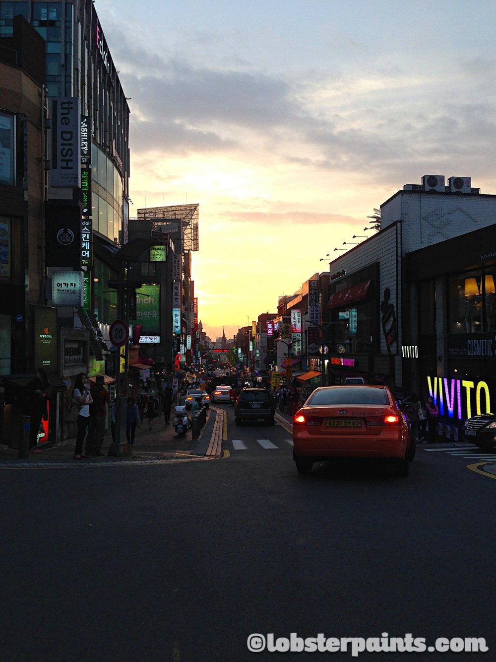 1 Oct 2014: Edae Shopping District | Seoul, South Korea