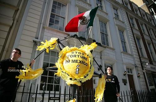 AI exige en Londres que cesen las torturas en México