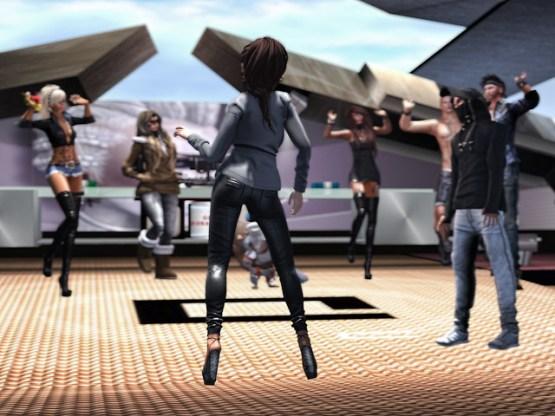 Dancing at GOL