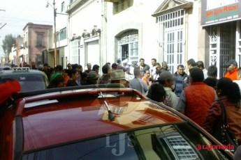 Taxistas irregulares denuncian corrupción e incumplimientos de SCT