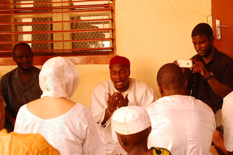 Saying the fatiha prayer