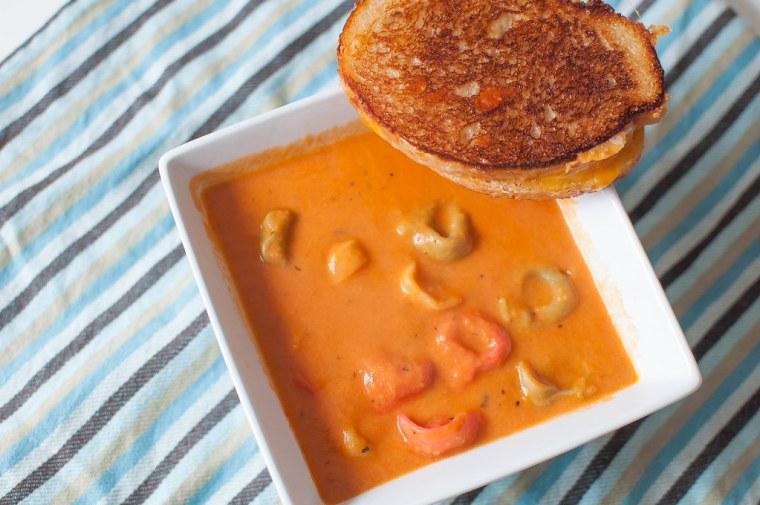 Creamy Tomato Tortellini Soup 1