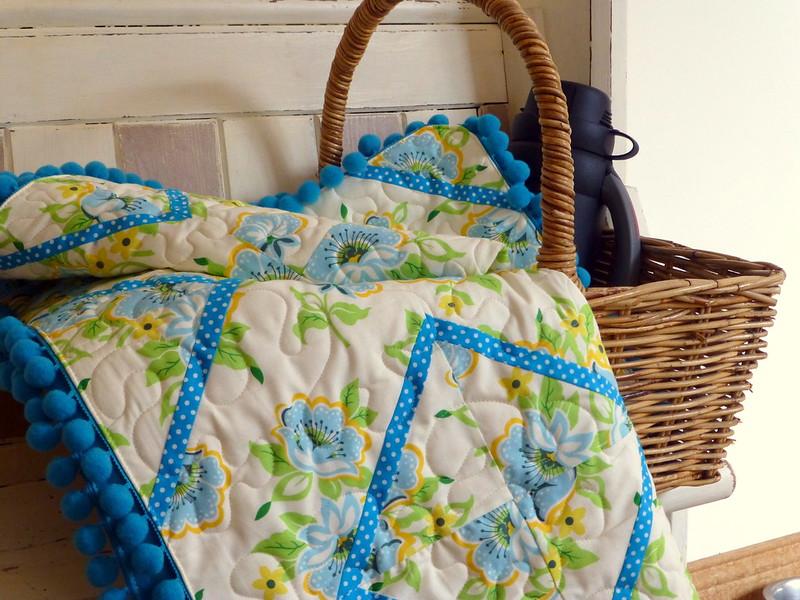 Picnic Bobble Quilt (Popular Patchwork Aug16)