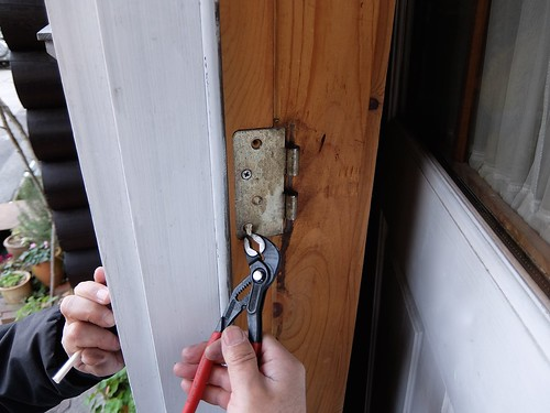 Replacing Kwikset Keyed Entry Door Knobs
