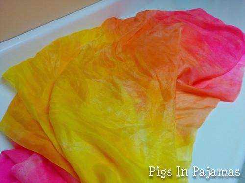 Tumbe dye dyed silk