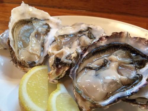 生牡蠣3種食べ比べ@牡蠣バル 大山