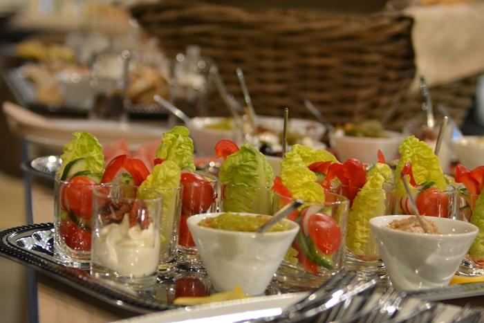 Rauwolf Rösthaus + Brewbar Salat