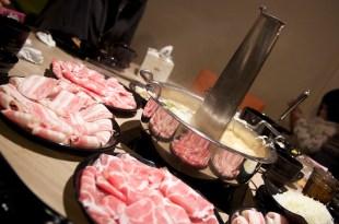 桃園桃園|連進東北酸菜白肉鍋-有圍爐溫暖的味道、吃到飽又免服務費!