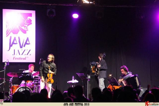 Java Jazz Festival 2015 Day 2 - Luca Ciarla Chris Jarrett (1)