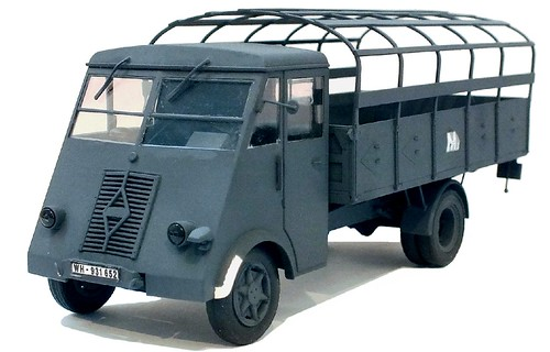 ICM Renault 3,5t Wehrmacht (1)