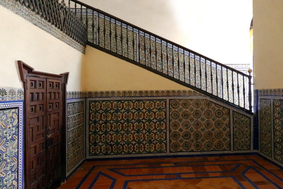Palacio del Rey Pedro I Escalera al Cuarto Real Alto Real Alcazar Sevilla 02