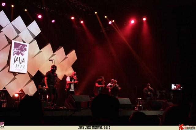 Java Jazz Festival 2015 Day 1 - Naturally 7