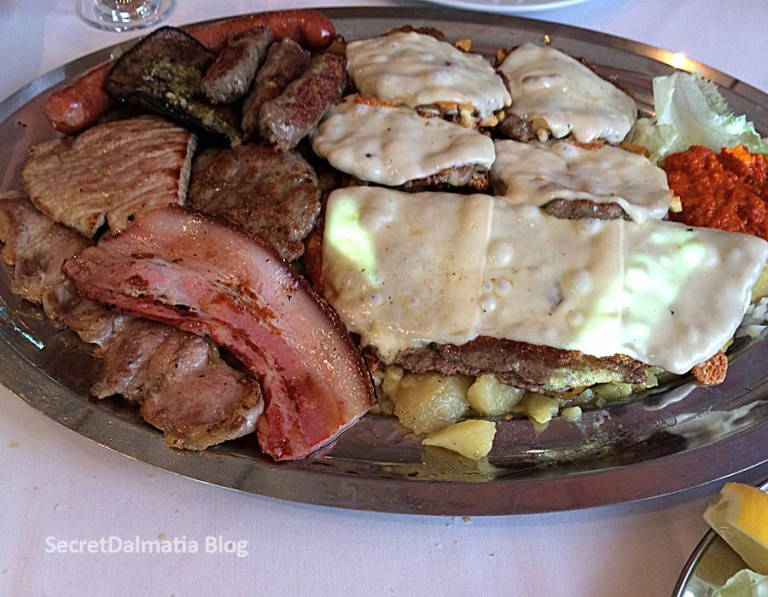 Macola mixed platter