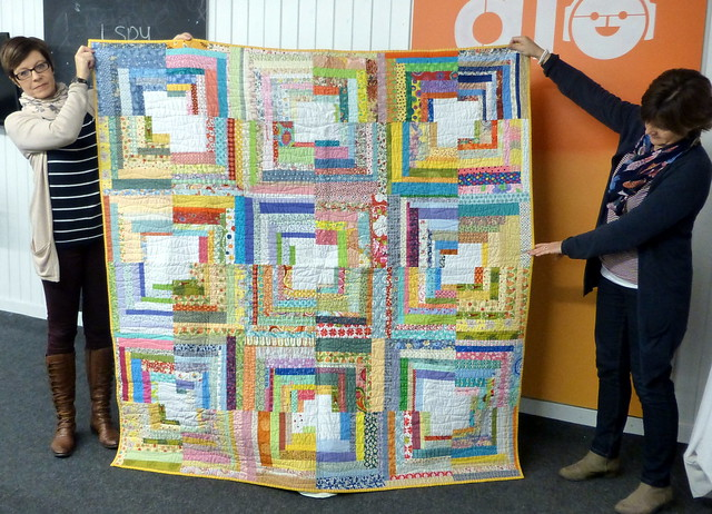 Bee Blessed Log Cabin Corners quilt
