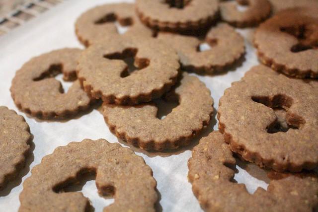 Linzer Cookies - 13