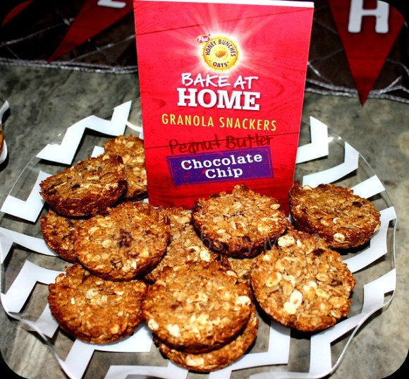 peanut butter chocolate chip granola snackers