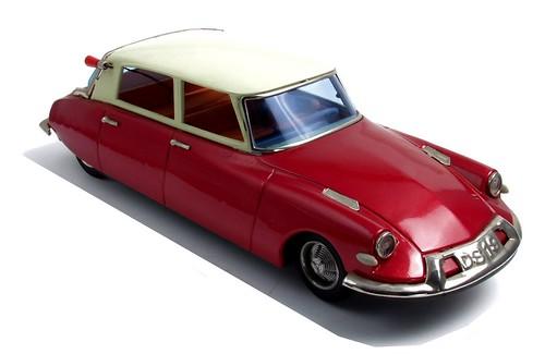 Bandai Citroën DS 19 (2)-001