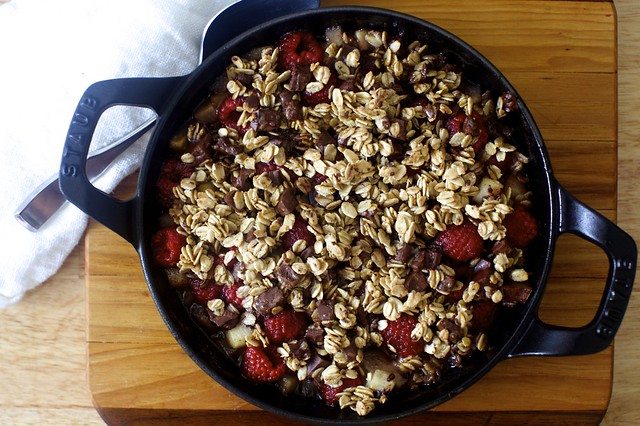 chocolate oat crumble