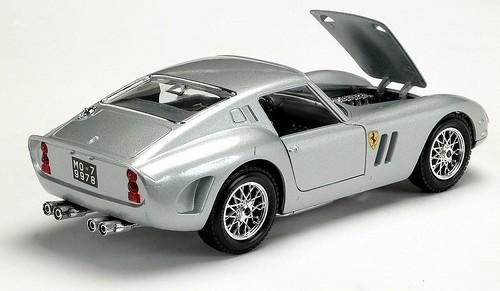 Burago Ferrari 250 GTO 1-24
