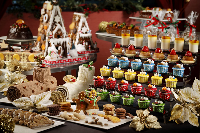 Universal Studios Singapore - Enjoy a sumptuous buffet dinner at Sound Stage 28