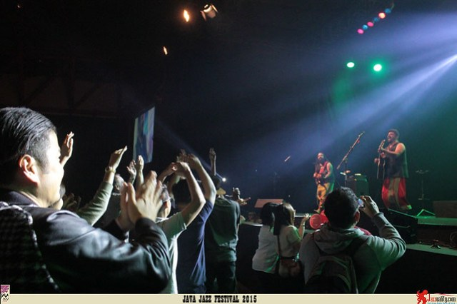 Java Jazz Festival 2015 Day 3 - Raghu Dixit (2)