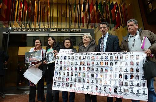 México es un gran cementerio: padres de desaparecidos
