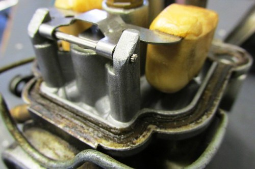 Float Hinge Pin Has Serrations On Right Side, So Push Out To Right