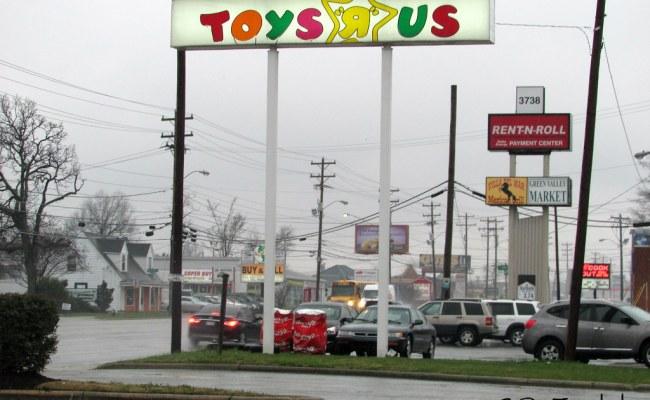 Toys R Us Greensboro North Carolina Jamie Middleton