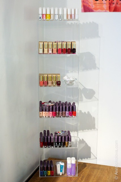 51 Oriflame Concept store in Stockholm Nail Polishes