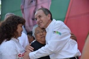 Promete Juan Manuel Carreras 200 paquetes de vivienda en el Altiplano