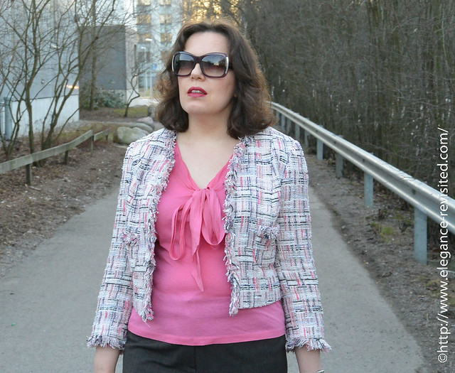 how to wear pink 40+