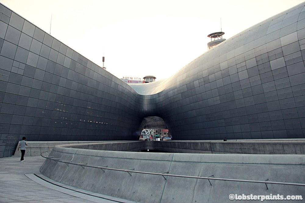 6 October 2014: Dongdaemun Design Plaza 동대문디자인플라자   Seoul, South Korea
